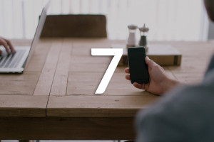 7 Key Decisions in Mobile Content Management